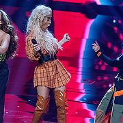 NLD/Hilversum/20190201- TVOH 2019 1e liveshow, optreden Little Mix met Kimberly Fransens