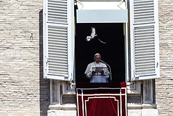 June 18, 2017 - Vatican City State (Holy See) - POPE FRANCIS  leads Angelus Prayer in St. Peter's Square at the Vatican  (Credit Image: © Evandro Inetti via ZUMA Wire)