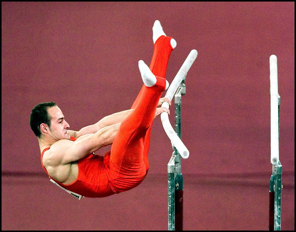 Nederland, Amsterdam, 27-04-2007.<br /> EK Turnen, Heren.<br /> Andrian Bucur uit Roemenie tijdens zijn oefening op de brug.<br /> Foto: Klaas Jan van der Weij / Sportstation
