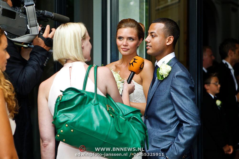 NLD/Amsterdam/20100721 - Huwelijk van Kim Feesntra en DJ Michael Mendoza,