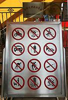 Verbotstafel vor dem Beachvolleyball Stadion. © Urs Bucher/EQ Images