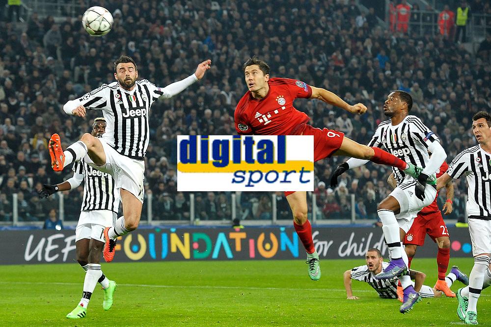 Andrea Barzagli Juventus, Robert Lewandowski Bayern <br /> Torino 23-02-2016 Juventus Stadium, Football Champions League 2015/2016 Round of 16 Juventus - Bayern Munich / Juventus - Bayern Monaco .  Foto Filippo Alfero / Insidefoto