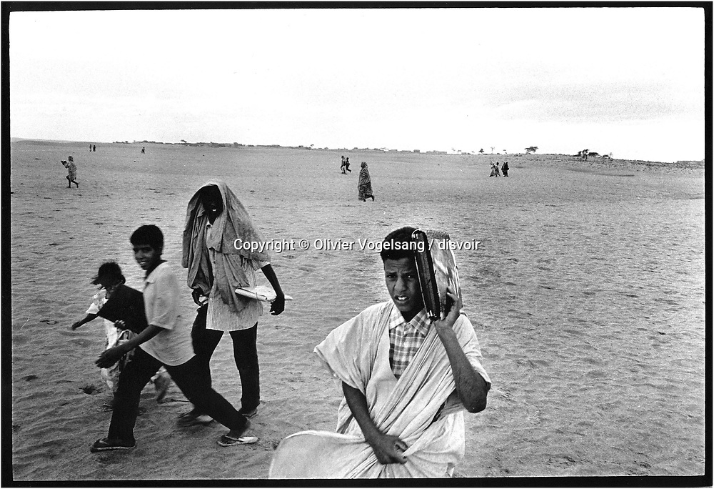 Mauritanie. Chinguetti. The city of Chinguetti is the fifth holy city of the Moslem religion. It is also a city threatened by sands of the desert and that empties of these inhabitants. The put to sleep city life on his past and seems to be populated only with women and children.
