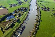Nederland, Gelderland, Gemeente Arnhem, 03-10-2010; scheepvaartverkeer op de IJssel, ter hoogte van Velp met de uiterwaarden Velperwaarden en Velperbroek. .Shipping on the river IJssel, near Velp with floodplains Velperwaarden Velperbroek..luchtfoto (toeslag), aerial photo (additional fee required).foto/photo Siebe Swart