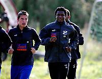 Fotball, 6. september 2005,  John Obi Mikel back on FC Lyn Oslos training. Here together with Bjarne Ingebrigtsen