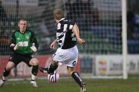 Photo: Pete Lorence/Sportsbeat Images.<br />Lincoln City v Darlington. Coca Cola League 2. 22/12/2007.<br />Richie Foran scores Darlington's first goal.