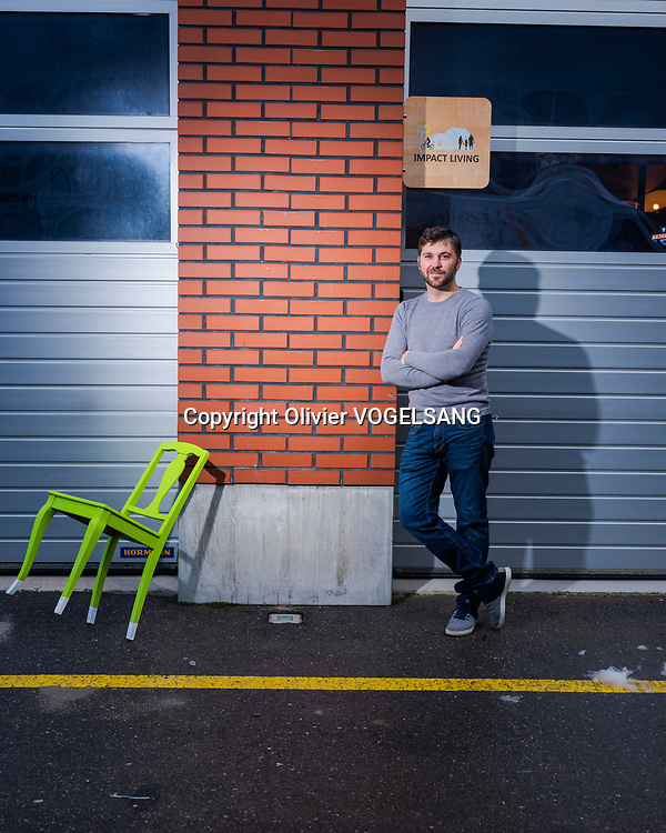 Yverdon, 09 février 2021. Marc Müller a créé sa maison autonome et est à la tête d'une société Impact living, qui s'occupe de transition écologique. © Olivier Vogelsang