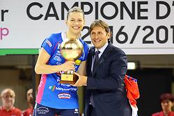 11-05-2017 ITA: Finale Liu Jo Modena - Igor Gorgonzola Novara, Modena<br /> Novara heeft de titel in de Italiaanse Serie A1 Femminile gepakt. Novara was oppermachtig in de vierde finalewedstrijd. Door een 3-0 zege is het Italiaanse kampioenschap binnen. / MVP BARUN-SUSNJAR KATARINA<br /> <br /> ***NETHERLANDS ONLY***