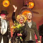 NLD/Zaandam/20190219- Première Karin Bloemen Souvenirs, Karin Bloemen en partner Marnix Busstra en Jan Aarntzen