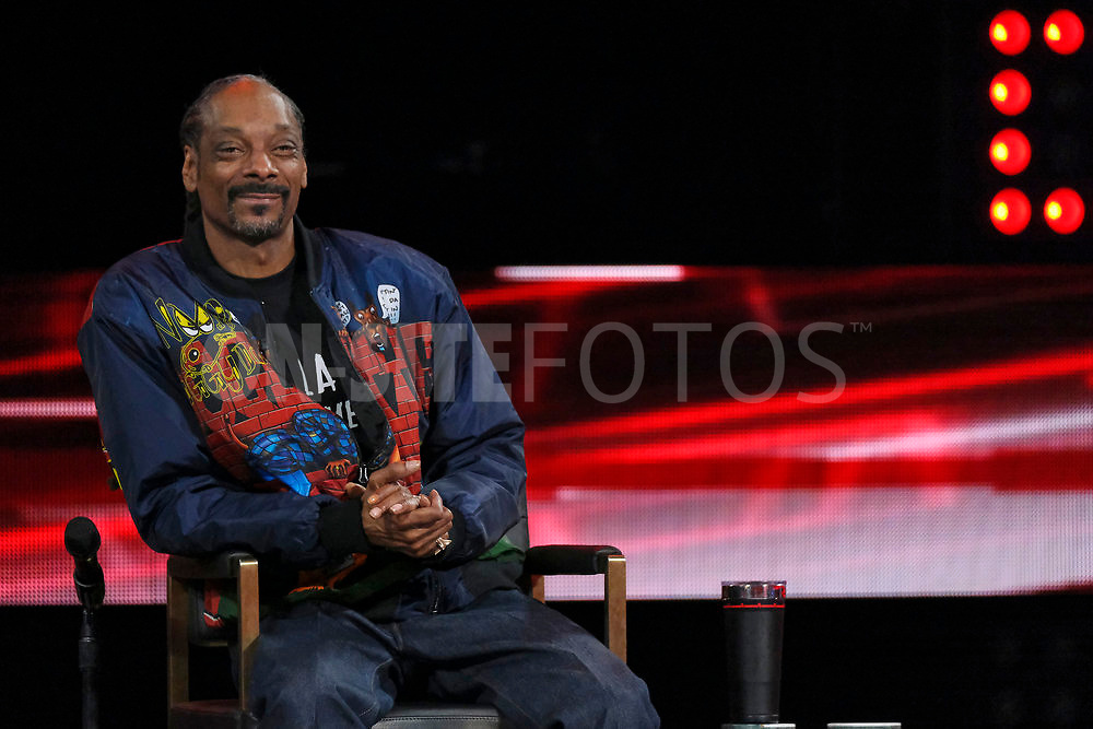 """THE VOICE -- """"Knockout Reality"""" Episode 2010 --  Pictured: Snoop Dogg -- (Photo by: Trae Patton/NBC)"""