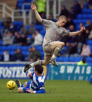 Photo: Daniel Hambury.<br /> Reading v Leicester City. <br /> The Coca Cola Championship.<br /> 26/02/2005<br /> Reading's Graeme Murty stops Leicester's Joey Gudjonsson.