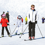 Fotosessie met de koninklijke familie in Lech /// Photoshoot with the Dutch royal family in Lech ...Op de foto / On the photo: Prins Willem Alexander, Prinses Amalia and Prinses Alexia  ///// Crown Prince Willem Alexander, Princess Amalia, Princess Alexia