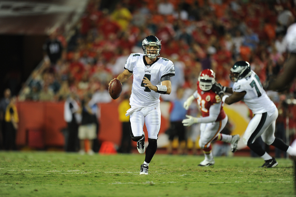 KANSAS CITY, MO - AUGUST 27: Quarterback Kevin Kolb #4 of the Philadelphia Eagles scrambles during the game against the Kansas City Chiefs on August 27, 2010 at Arrowhead Stadium in Kansas City, Missouri. The Eagles won 20-17. (Photo by Drew Hallowell/Getty Images)  *** Local Caption *** Kevin Kolb