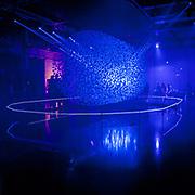 Fluidic - Sculpture in Motion: la perfomance nello stand Hyundai al FuoriSalone 2013