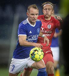 Pierre Larsen (Fremad Amager) og Carl Lange (FC Helsingør) under kampen i 1. Division mellem Fremad Amager og FC Helsingør den 21. oktober 2020 i Sundby Idrætspark (Foto: Claus Birch).