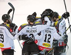 07.02.2016, Keine Sorgen Eisarena, Linz, AUT, EBEL, EHC Liwest Black Wings Linz vs Dornbirner Eishockey Club, Platzierungsrunde,im Bild Dornbirn feiert das 3 zu 0 // during the Erste Bank Icehockey League 51th round match - placement round between EHC Liwest Black Wings Linz and Dornbirner Eishockey Club at the Keine Sorgen Icearena, Linz, Austria on 2016/02/07. EXPA Pictures © 2016, PhotoCredit: EXPA/ Reinhard Eisenbauer