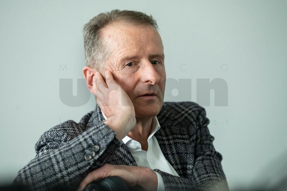 30 MAR 2020, WOLFSBURG/GERMANY:<br /> Herbert Diess, Vorstandsvorsitzender Volkswagen AG, nach einem Interview, VW Konzernzentrale<br /> IMAGE: 20200330-01-055