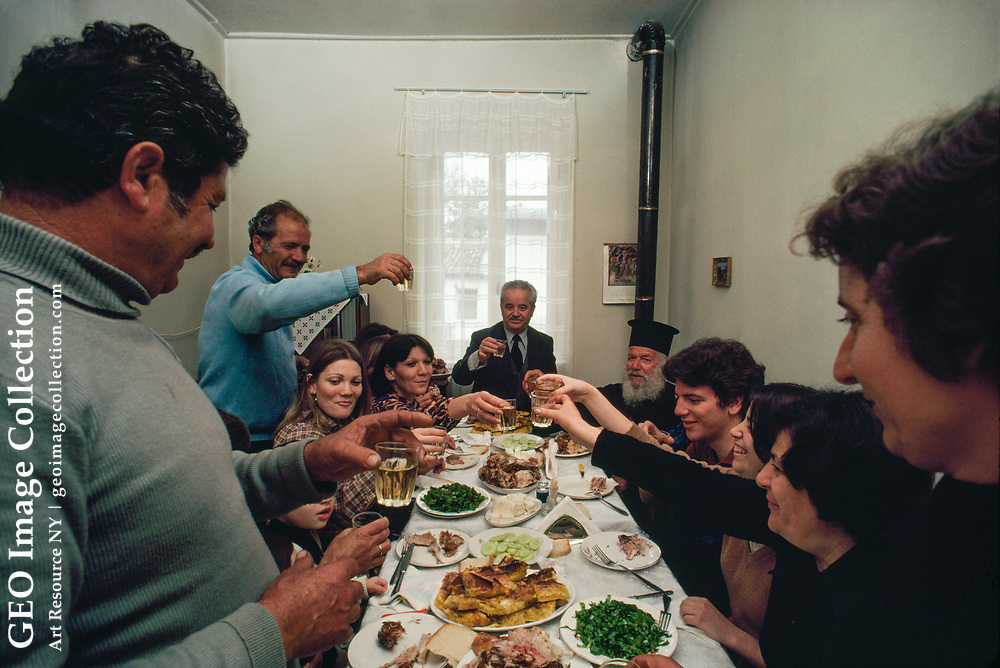 A reunion on Easter Sunday brings together a Greek family.