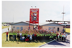 Painéis, cartazes e suvenirs que marcaram época nas campahas publicitárias da Coca-Cola. FOTO: Jefferson Bernardes/Preview.com