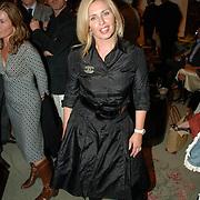 NLD/Amsterdam/20060909 - Modeshow Mart Visser Winter 2006, Anita van der Hoeven - van der Klooster