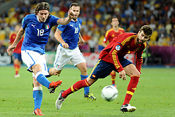 01.07.2012, Olympia Stadion, Kiew, UKR, UEFA EURO 2012, Spanien vs Italien, Finale, im Bild, RICCARDO MONTOLIVO (L) // during the UEFA Euro 2012 Final Match between Spain and Italy at the Olympic Stadium, Kiev, Ukraine on 2012/07/01. EXPA Pictures © 2012, PhotoCredit: EXPA/ Newspix/ Michal Stanczyk..***** ATTENTION - for AUT, SLO, CRO, SRB, SUI and SWE only *****