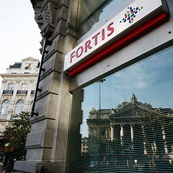 BELGIQUE - BRUXELLES - 13 Octobre 2008 - Fortis banque et assurance - Logo - Immeuble - Crise Bancaire - Crise - Cr?dit - Credit Hypoth?caire - Bourse de Bruxelles - Crise - Finance - Economie - Economique - Euronext © Patrick Mascart..-----..BELGIUM - BRUSSELS - 13 October 2008 - Fortis Bank and Insurance - Fortis logo and building - Fortis Crisis - Credit - Brokers - Bank Crisis - mortgage credit - Brussels Stock Exchange - Crisis - finance - financial - Economy - Economic - Euronext  © Patrick Mascart