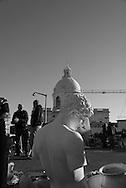 Portugal. Lisbon. Flea market. Pantheon area in Alfama district /  marché des antiquaires. le quartier du Pantheon dans  l'Alfama . Lisbonne