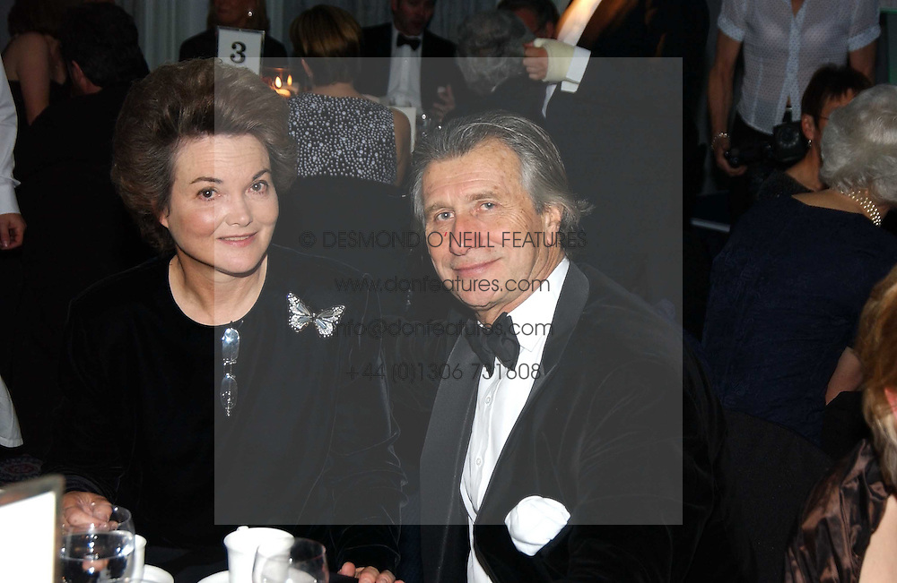MR ARNAUD BAMBERGER and HENRIETTA, the DOWAGER COUNTESS OF BEDFORD  at the 2004 Cartier Racing Awards in association with the Daily Telegraph, held at the Four Seasons Hotel, London on 17th November 2004.<br /><br />NON EXCLUSIVE - WORLD RIGHTS