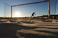 FIFA BEACH SOCCER WORLD CUP 2008<br /> Marseille    15.07.2008<br /> Sand is the surface on which beach soccer takes place.<br /> FOTO: Schaadfoto/ Pressefoto ULMER/Florian Eisele