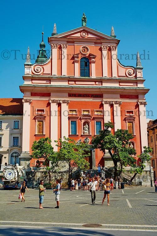 Slovénie, Ljubljana, capitale de la Slovénie, eglise franciscaine de l'Annonciation sur la Place Presernov// Slovenia, Ljubljana, Franciscan church on the Presernov Square