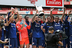 Memphis Depay of Lyon lifts the winners trophy - Mandatory by-line: Arron Gent/JMP - 28/07/2019 - FOOTBALL - Emirates Stadium - London, England - Arsenal v Olympique Lyonnais - Emirates Cup