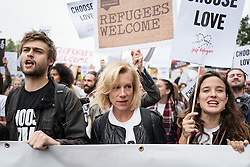 September 17, 2016 - London, London - London, UK. Actor DOUGLAS BOOTH (L) and actress JULIET STEVENSON (centre) join thousands march through central London to call on the government to welcome refugees to the UK. (Credit Image: © Rob Pinney/London News Pictures via ZUMA Wire)