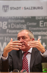 14.09.2015, Hauptbahnhof Salzburg, AUT, Fluechtlingskrise in der EU, Pressekonferenz, im Bild Bürgermeister von Salzburg Heinz Schaden // Mayor of Salzburg Heinz Schaden during a Pressconference about the Situation. Thousands of refugees fleeing violence and persecution in their own countries continue to make their way toward the EU, Main Train Station, Salzburg, Austria on 2015/09/14. EXPA Pictures © 2015, PhotoCredit: EXPA/ JFK