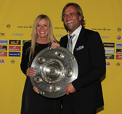 14.05.2011, U-Haus, Dortmund, GER, 1.FBL, Borussia Dortmund Meisterbankett im Bild Trainer Jürgen Klopp mit  Meisterschale und Ehefrau Ulla //   German 1.Liga Football ,  Borussia Dortmund Championscelebration, Dortmund, 14/05/2011 . EXPA Pictures © 2011, PhotoCredit: EXPA/ nph/  Conny Kurth       ****** out of GER / SWE / CRO  / BEL ******