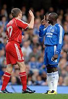 Photo: Richard Lane.<br />Chelsea v Liverpool. UEFA Champions League. Semi Final, 1st Leg. 25/04/2007. <br />Liverpool's  Craig Bellamy is spoken to by Chelsea's Claude Makelele.