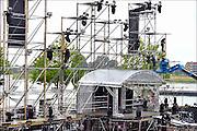 Nederland, Nijmegen, 15-7-2015De voorbereidingen voor de komende vierdaagse en bijhorende zomerfeesten zijn in volle gang. Op de Waalkade en het Valkhof wodt gewerkt aan de podia en  de vierdaagsecamping op de sportvelden van SC Hatert loopt langzaam maar zeker vol.Zaterdag gaan de zomerfeesten in de stad van start en vanaf dinsdag de lopers aan de vierdaagse Foto: Flip Franssen/Hollandse Hoogte