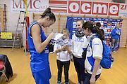 DESCRIZIONE : Parma Palaciti Nazionale Italia femminile Basket Parma<br /> GIOCATORE :  Francesca Mariani<br /> CATEGORIA : curiosita autografi<br /> SQUADRA : Italia femminile<br /> EVENTO : amichevole<br /> GARA : Italia femminile Basket Parma<br /> DATA : 13/11/2012<br /> SPORT : Pallacanestro <br /> AUTORE : Agenzia Ciamillo-Castoria/ GiulioCiamillo<br /> Galleria : Lega Basket A 2012-2013 <br /> Fotonotizia :  Parma Palaciti Nazionale Italia femminile Basket Parma<br /> Predefinita :
