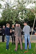 Prinses Máxima bezoekt Buurtvereniging Hoofdstraat-Noord in Gasselternijveen. Deze buurtvereniging organiseert verschillende sociale activiteiten rondom een cultuurhistorische perenbomenrij in de straat. In mei 2012 won de buurtvereniging een Appeltje van Oranje. ///// Princess Máxima visits the neighborhood association in Gasselternijveen. This neighborhood association organizes various social activities around a historic pear row of trees in the street. In May 2012 won the neighborhood association Apple of Orange.<br /> <br /> Op de foto/ On the photo:  Prinses Maxima krijgt uitleg bij de perenbomen / Princess Maxima receives explanation on peartreas