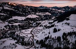 THEMENBILD - Sonnenaufgang über dem Kleinwalsertal mit Blick Richtung Deutschland, aufgenommen am 31. Januar 2019 in Riezlern, Oesterreich // Sunrise over the Kleinwalsertal valley with a view towards Germany in Riezlern, Austria on 2019/01/31. EXPA Pictures © 2019, PhotoCredit: EXPA/ JFK