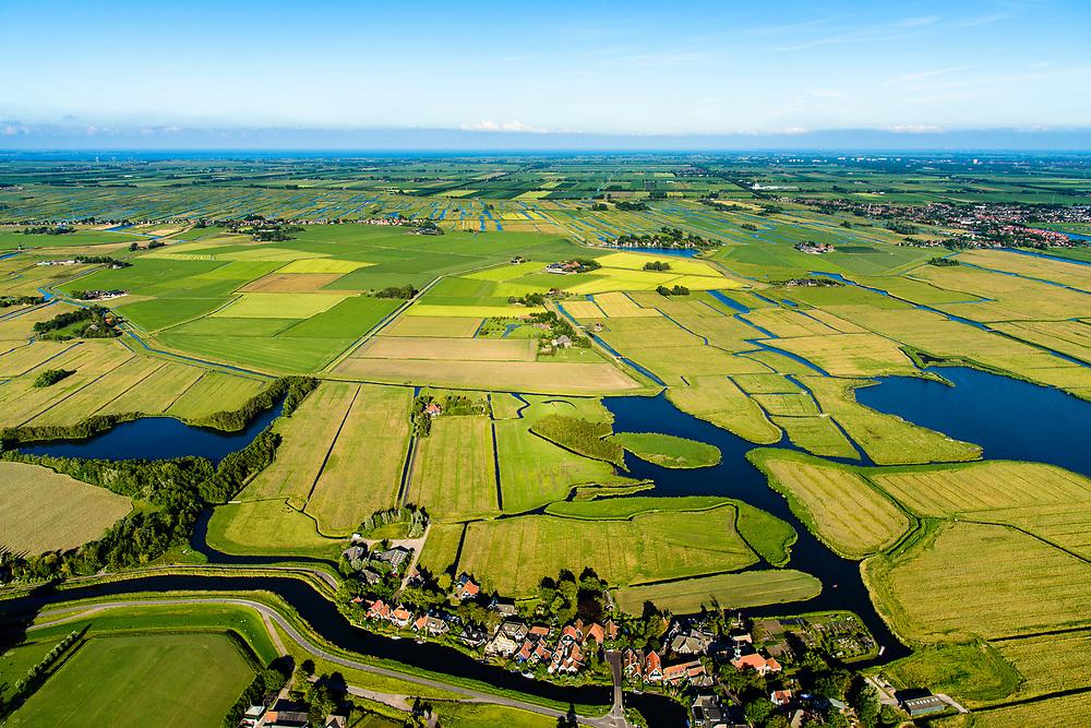 Nederland, Noord-Holland, Gemeente Alkmaar, 13-06-2017; Driehuizen, gelegen op de grens van de Schermer, polder L en de Eilandspolder. Onderdeel Nationale Landschap Laag Holland.<br /> National Landscape of Low Holland, 'Netherlands', w village Three houses.<br /> <br /> luchtfoto (toeslag op standard tarieven);<br /> aerial photo (additional fee required);
