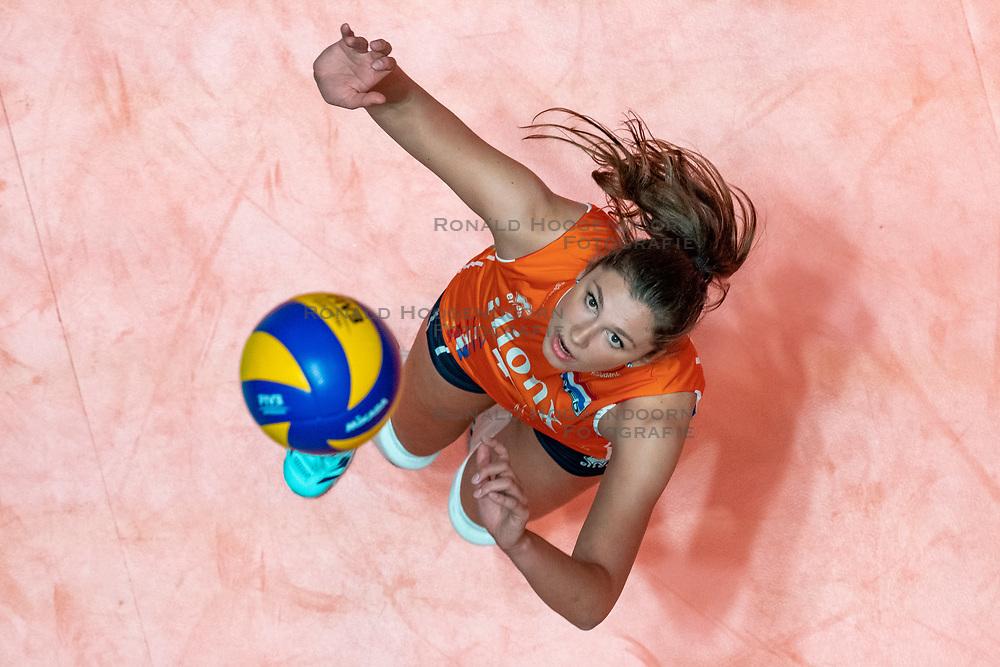 28-05-2019 NED: Volleyball Nations League Netherlands - Brazil, Apeldoorn<br /> <br /> Juliët Lohuis #7 of Netherlands