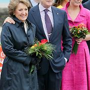 NLD/Makkum/20080430 - Koninginnedag 2008 Makkum, Margriet en partner Pieter van Vollenhoven, Laurentien