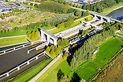 Nederland, Utrecht, Nieuwegein, 30-09-2015; Prinses Beatrixsluis, Lekkanaal. De komende jaren zal het kanaal verbreed worden en krijgt de sluis een derde kolk.<br /> Princess Beatrix lock, Lekkanaal.<br /> luchtfoto (toeslag op standard tarieven);<br /> aerial photo (additional fee required);<br /> copyright foto/photo Siebe Swart