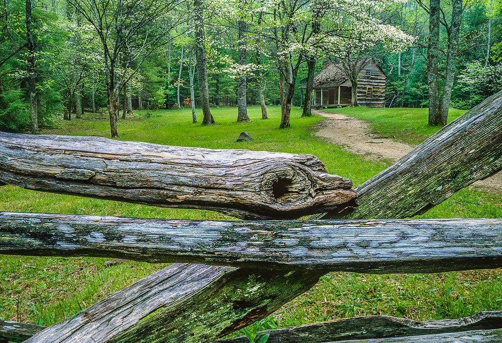 Carter Shield's Cabin, Great Smoky Mountains National Park, Tennessee, USA