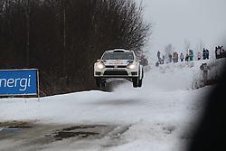 06.02.2014, Torsby, Hagfors, SWE, FIA, WRC, Schweden Rallye, Tag 2, im Bild Andreas Mikkelsen/Mikko Markkula (Volkswagen Motorsport II/Polo R WRC), Action / Aktion, Jump, Sprung // during the FIA WRC Sweden Rally at the Torsby in Hagfors, Sweden on 2014/02/07. EXPA Pictures © 2014, PhotoCredit: EXPA/ Eibner-Pressefoto/ Bermel<br /> <br /> *****ATTENTION - OUT of GER*****
