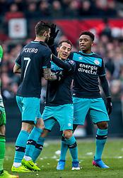 25-02-2017 NED: Feyenoord - PSV, Rotterdam<br /> 24e speelronde van seizoen 2016-2017, De Kuip / Gaston Pereiro of PSV scoort de 1-1, Andrés Guardado of PSV