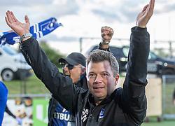 Cheftræner Christian Nielsen (Lyngby Boldklub) jubler efter kampen i 3F Superligaen mellem Lyngby Boldklub og Hobro IK den 20. juli 2020 på Lyngby Stadion (Foto: Claus Birch).