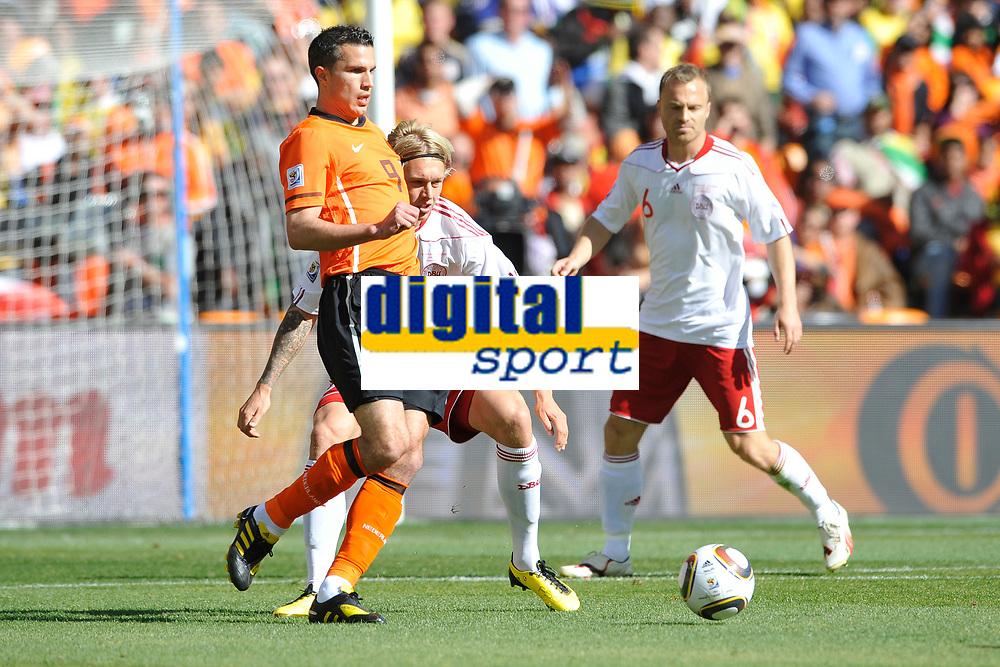 FOOTBALL - FIFA WORLD CUP 2010 - GROUP STAGE - GROUP E - NETHERLANDS v DENMARK - 14/06/2010 - PHOTO GUY JEFFROY / DPPI - ROBIN VAN PERSIE (NET)
