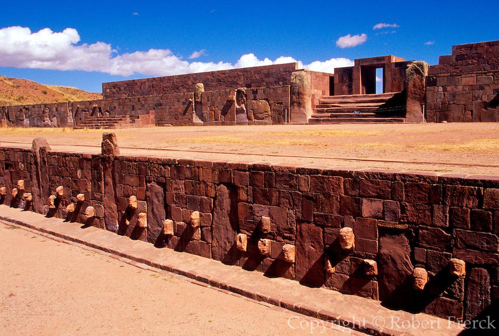 BOLIVIA, TIAHUANACO, AYMARA Kalasasaya court with stone heads