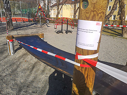 19.03.2020, Innsbruck, AUT, Coronavirus in Österreich, im Bild Spielplätze Geschlossen // Playgrounds Closed. The Austrian government is pursuing aggressive measures in an effort to slow the ongoing spread of the coronavirus. Innsbruck, Austria on 2020/03/19. EXPA Pictures © 2020, PhotoCredit: EXPA/ Erich Spiess